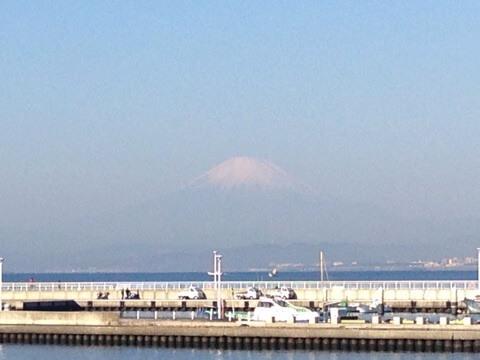 横浜から江ノ島に行く途中の景色